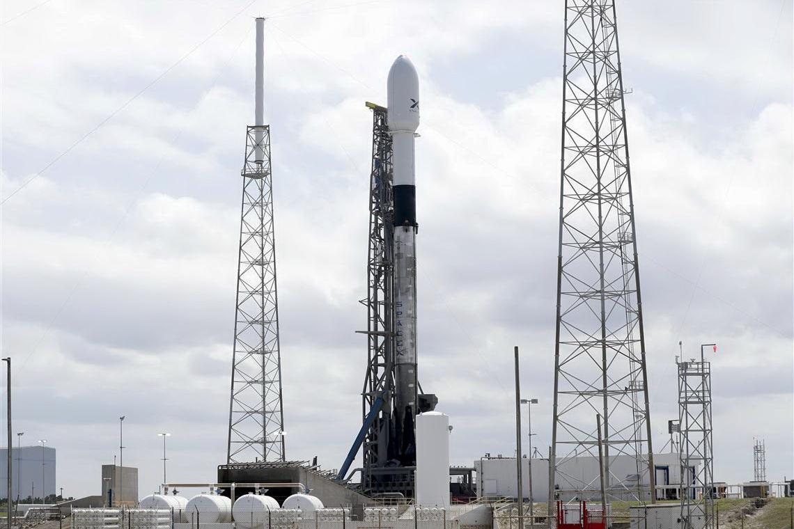 На фото: Ракета-носій Falcon 9/SpaceX