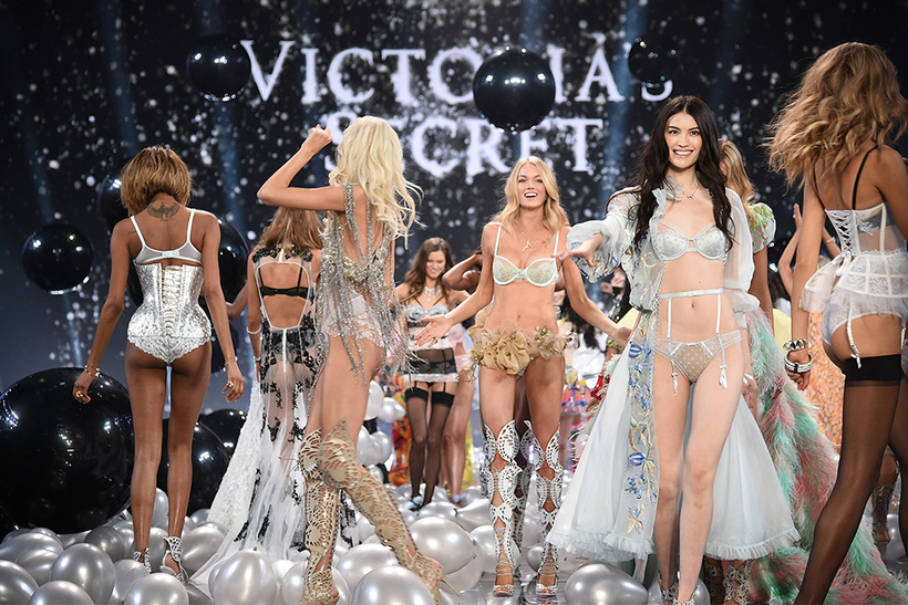 Фото: Dimitrios Kambouris/Getty Images for Victoria's Secret/forbes.ru
