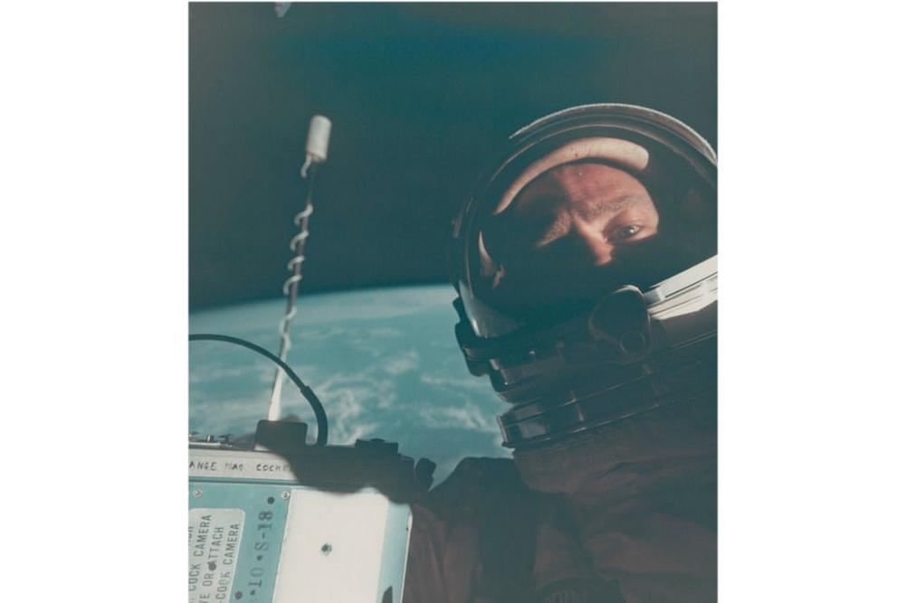 На фото: Селфі/NASA